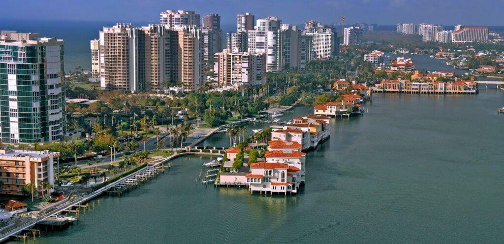 Cidades legais perto de Miami: Cidade Naples na Flórida