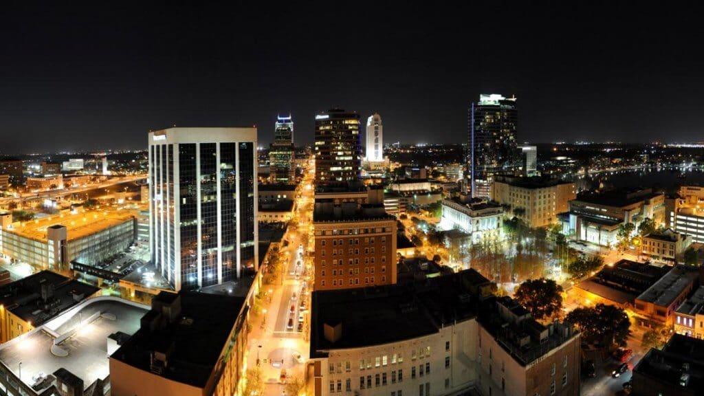 Baladas, bares e vida noturna em Downtown