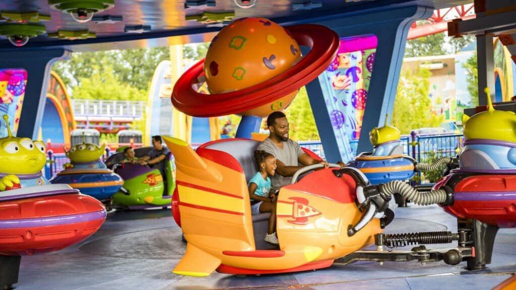 Brinquedo da área de Toy Story (Toy Story Land)