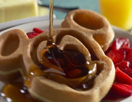 10 melhores doces e lanches da Disney em Orlando: Waffle do Mickey