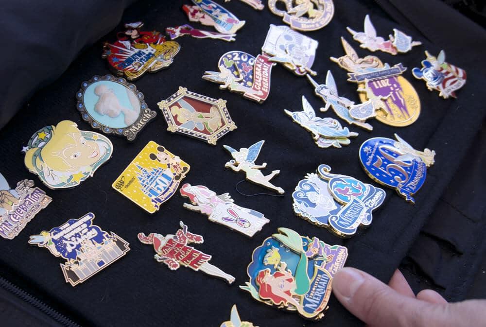 Melhores lojas da Disney para comprar lembrancinhas: Loja Disney's Pin Traders em Orlando