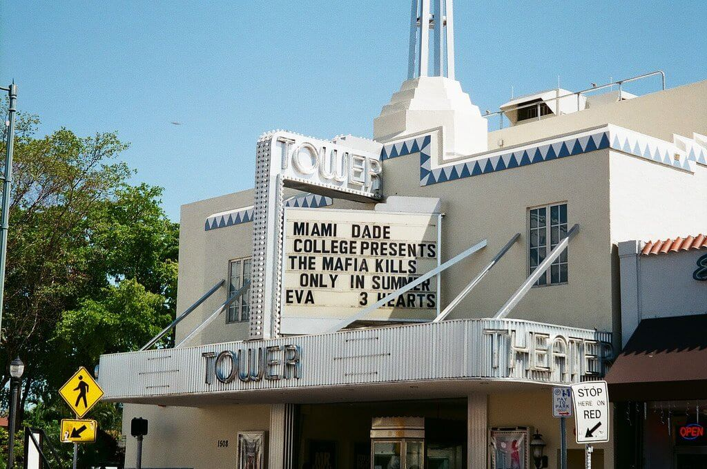 5 destaques da Calle Ocho de Litte Havana em Miami: Cinema Tower Theater