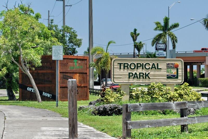 Entrada do Parque Tropical Park em Miami