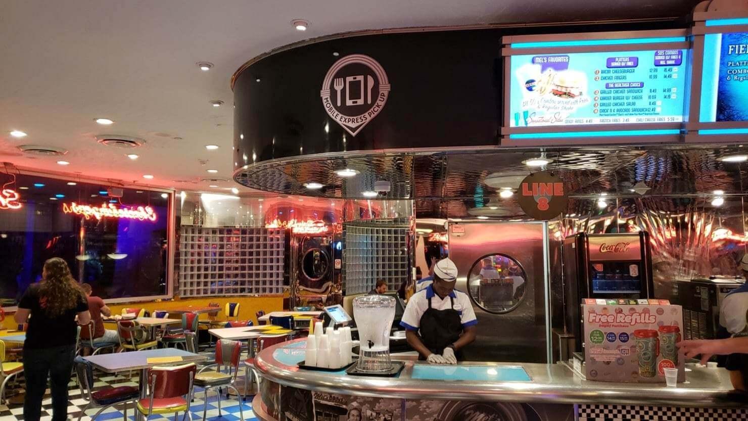Como pedir comida pelo celular nos restaurantes da Universal