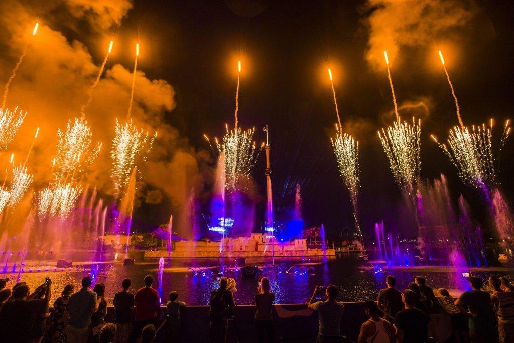 Fogos de artifício do Electric Ocean: o evento de verão do parque SeaWorld Orlando