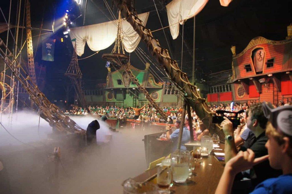 Cenário do Jantar e show Pirates Dinner Show em Orlando