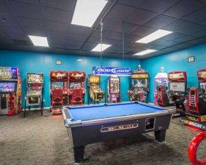 Área de jogos e games do Hotel Clarion Inn Lake Buena Vista em Orlando