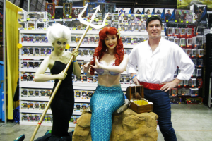Cosplays de A Pequena Sereia na Feira MegaCon em Orlando