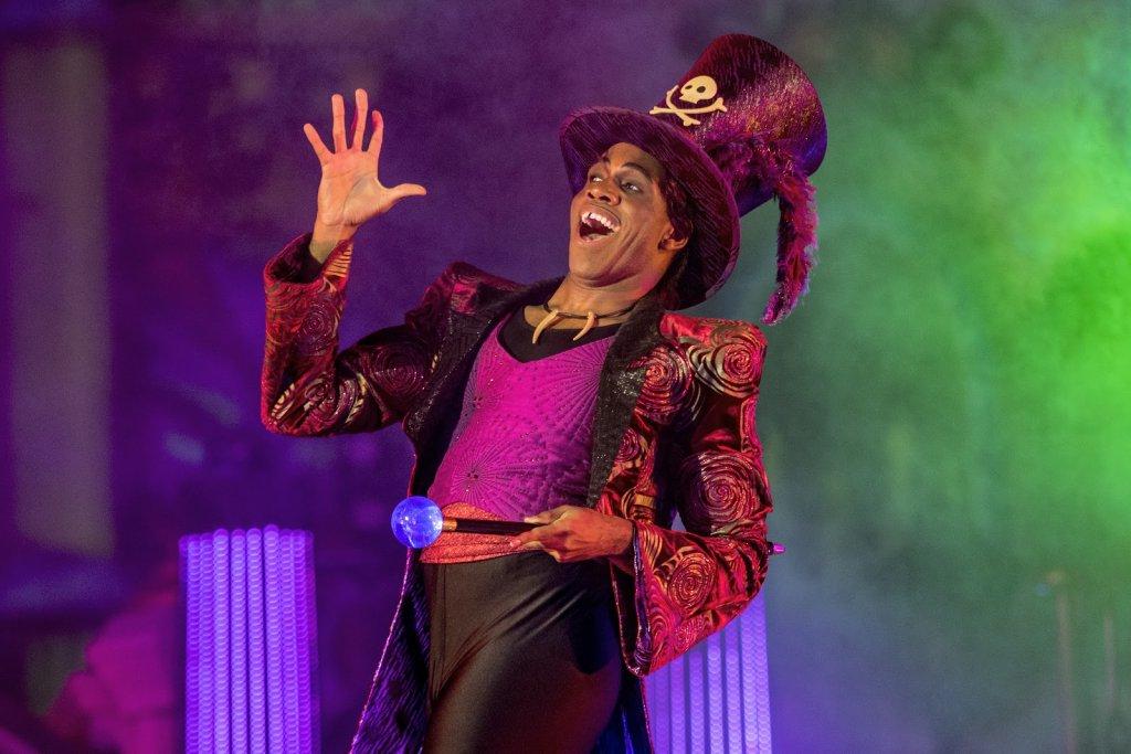 Dr. Facilier (de A Princesa e o Sapo) no Disney Villains After Hours em Orlando em 2020