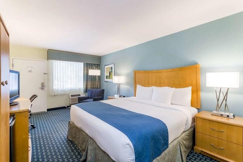 Quarto do Hotel Days Inn by Wyndham em Cocoa Beach
