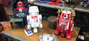 Robôs prontos do Droid Depot na Star Wars Land da Disney Orlando