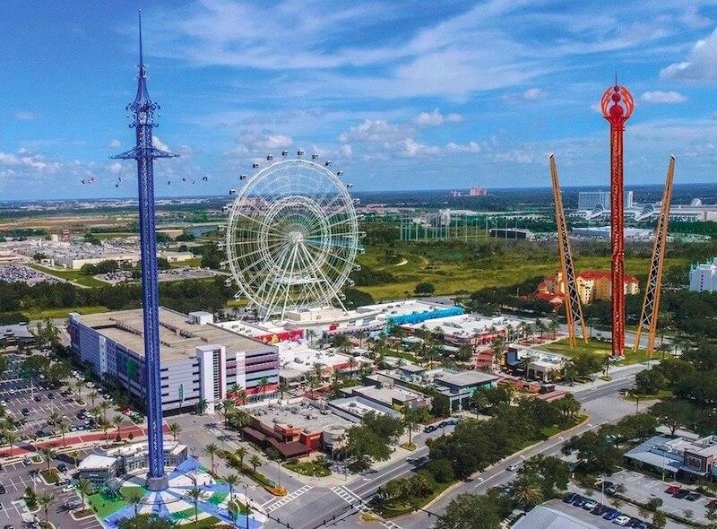 Vista aérea Orlando Gyro Drop Tower no ICON Park em Orlando