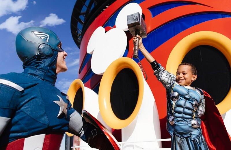 Capitão América no Cruzeiro Marvel Day at Sea da Disney Cruise Line em 2021